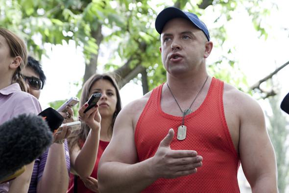 Бей парад: В Киеве сорвали шествие геев и лесбиянок. Зображення № 7.