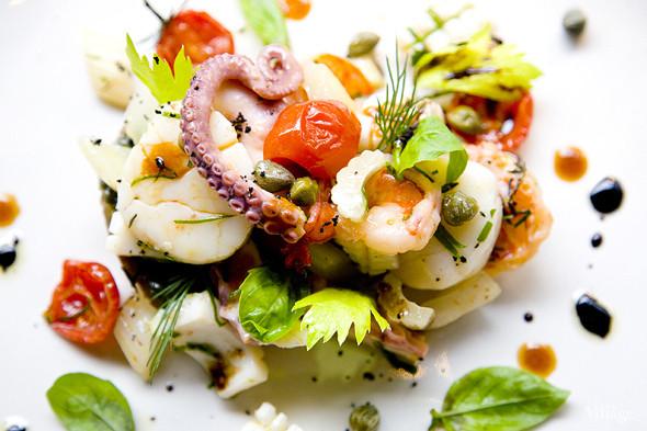 Салат из морепродуктов с печеным баклажаном. Изображение № 28.