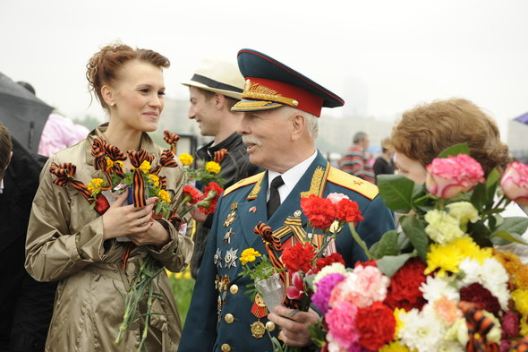 День Победы в Москве и Петербурге: Как гуляют и о чём вспоминают ветераны 9 Мая. Изображение № 16.