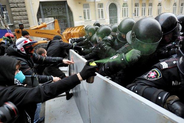 Курс — евро: Как уличные протесты изменили Киев. Изображение № 6.