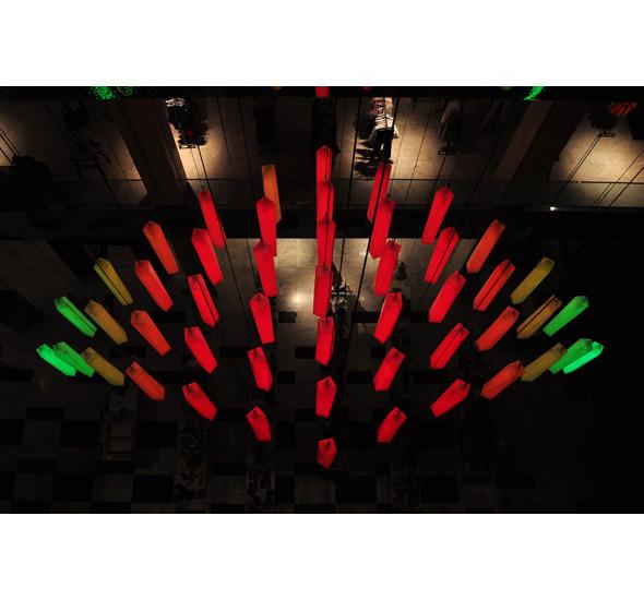 Изображение 8. В столичном универмаге появилась световая инсталляция.. Изображение № 10.