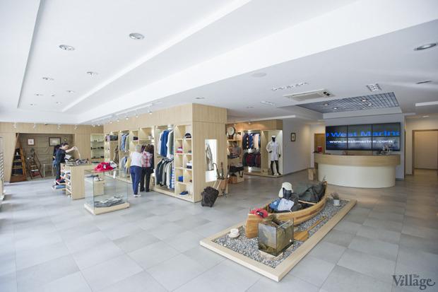 На полках: Магазин одежды «Остров». Изображение № 2.