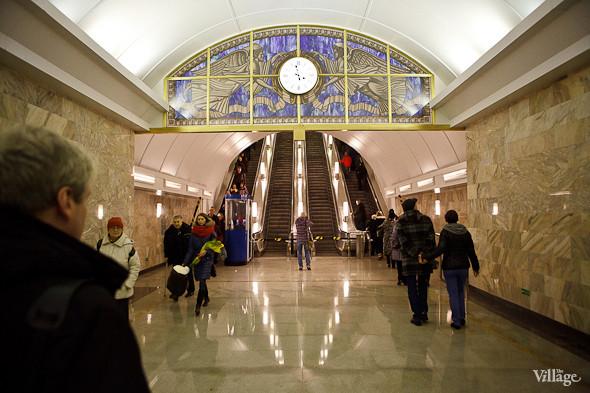 На новой станции метро «Адмиралтейская» уже произошло несколько аварийных остановок эскалатора. Изображение № 23.