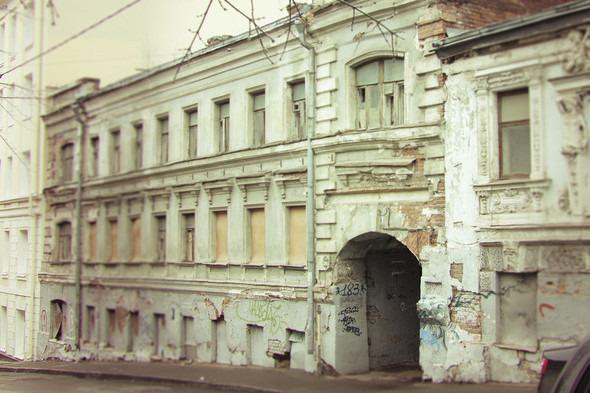 Реставрация Дома с кариатидами обойдётся в 35 миллионов рублей. Изображение №1.