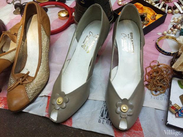 Кожаные туфли, сделаны в Югославии. Были куплены в Москве в 80-х годах, новые. Цена: 250 грн.. Изображение № 33.