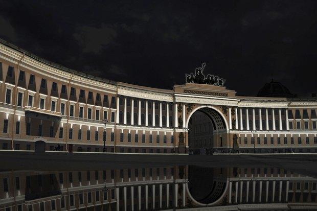 На ночь глядя: 12 проектов подсветки Главного штаба. Изображение № 2.