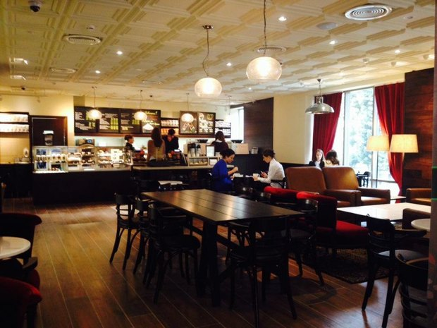 Starbucks в Александровском парке, 4. Изображение № 2.