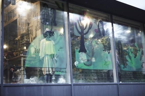 Мы вам покажем: 7 оформителей витрин московских магазинов. Изображение № 25.
