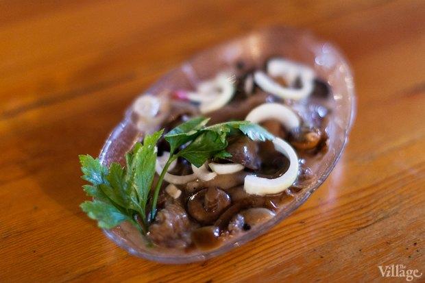 Маринованные грибы с луком — 120 рублей. Изображение №7.
