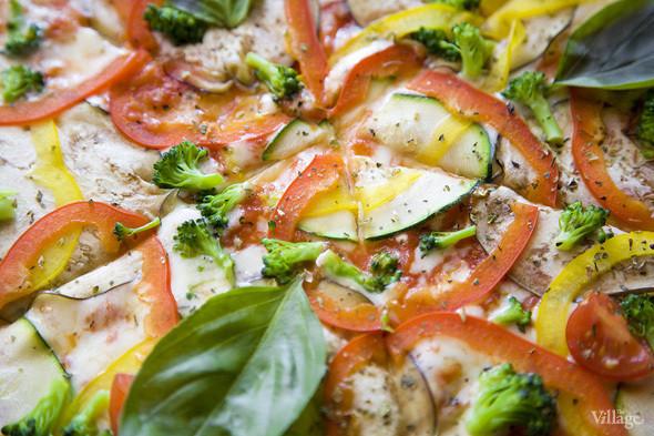 Пицца вегетарианская — 390 рублей . Изображение № 39.