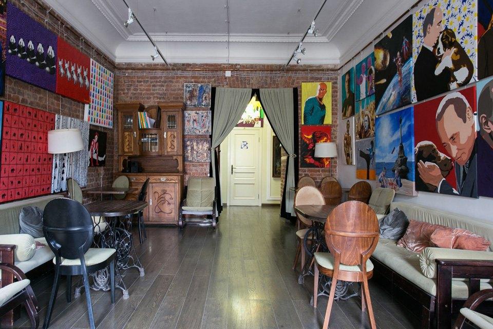 Квартира художника смансардой. Изображение № 12.