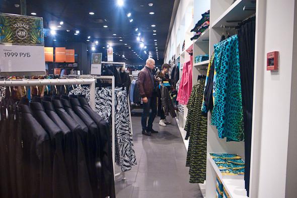 Размер не имеет значения: Начало продаж Versace for H&M. Изображение № 14.