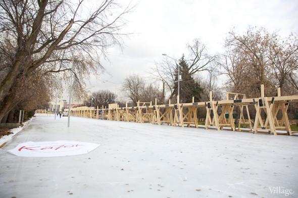 В парке Горького залили каток. Изображение № 15.