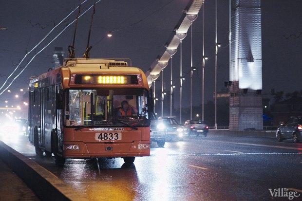 Фото дня: Первые ночные автобусы и троллейбусы в Москве. Изображение № 3.