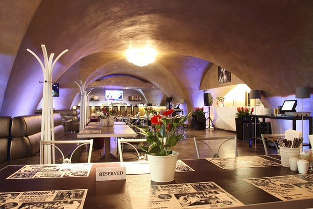 На месте ресторана «Академия» открылся бар Bootleggers. Изображение № 2.