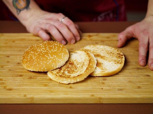 Как приготовить настоящий «Биг Мак» на домашней кухне. Изображение № 16.