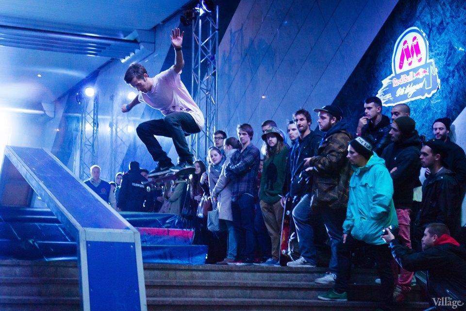 Фото ночи: Скейтерский чемпионат в метро. Изображение № 14.