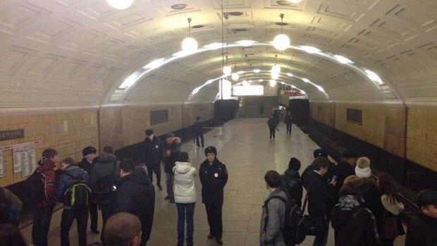 Станцию «Библиотека имени Ленина» оцепили. Изображение № 1.
