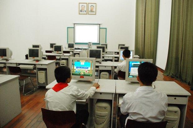 Мангёндэский детский дворец, Пхеньян. Изображение № 2.