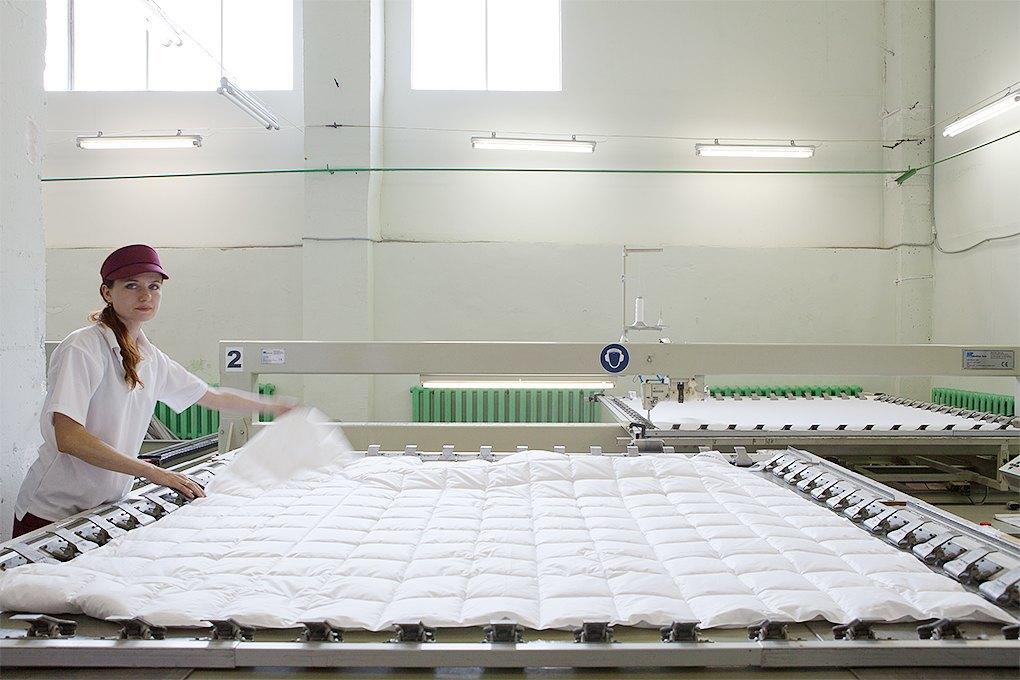 Производственный процесс: Как делают подушки. Изображение № 23.