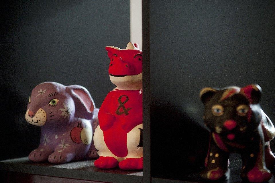 Каждый год агентство дарит клиентам игрушки, расписанные в детдоме.. Изображение № 10.