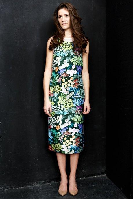 Вещи недели: 12 платьев сцветочным принтом. Изображение №1.