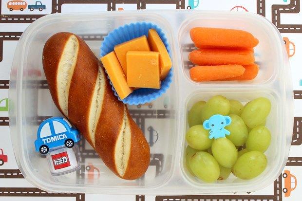 Как у них: Что едят дети вшколах Сиднея, Парижа, Берлина, Монреаля, Ханоя иМариуполя. Изображение № 13.