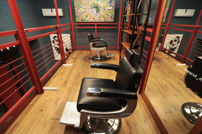 На «Красном Октябре» открылась парикмахерская сбаром Boy Cut Bar. Изображение № 4.