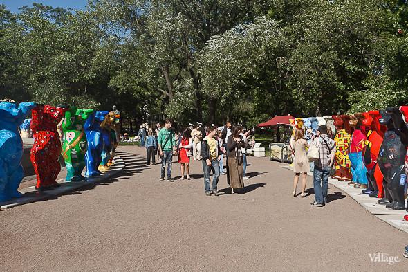 В Александровском саду выставили медведей United Buddy Bears. Изображение № 2.