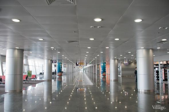 Фоторепортаж: В аэропорту Борисполь открыли самый большой на Украине терминал. Зображення № 11.