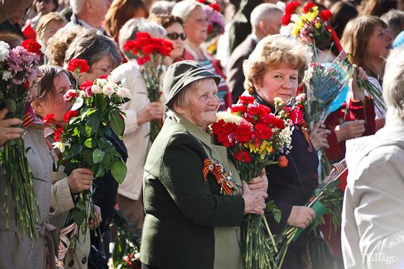 День Победы в Москве и Петербурге: Как гуляют и о чём вспоминают ветераны 9 Мая. Изображение № 48.