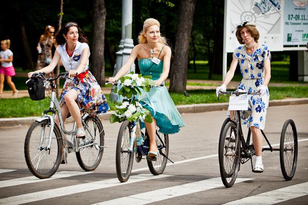 Люди в городе: Участницы парада «Леди на велосипеде». Изображение № 14.