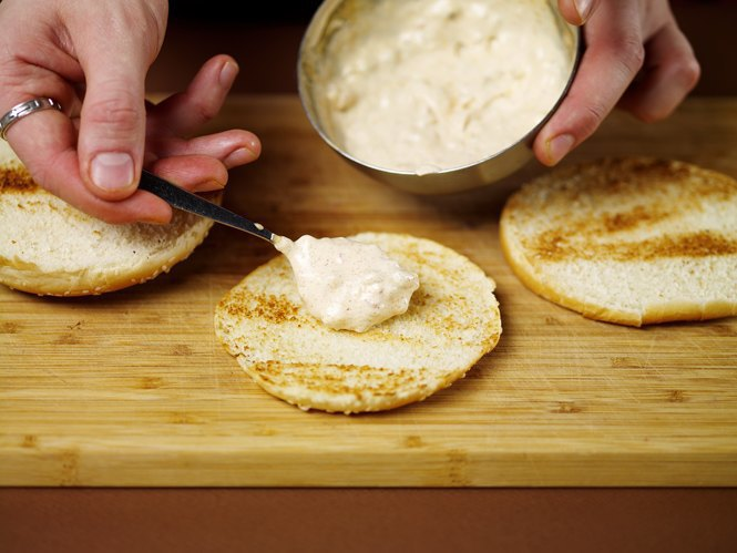 Как приготовить настоящий «Биг Мак» на домашней кухне. Изображение № 32.