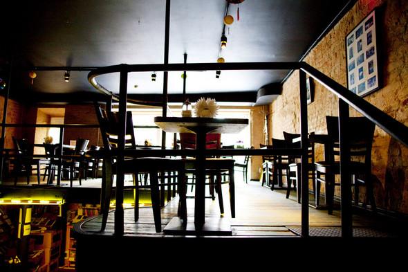 После прочтения съесть: 5 кафе при магазинах. Изображение № 30.