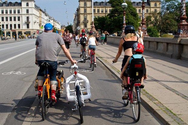 Автор Cycle Chic— одевушках, детях иполитиках навелосипедах. Изображение №6.