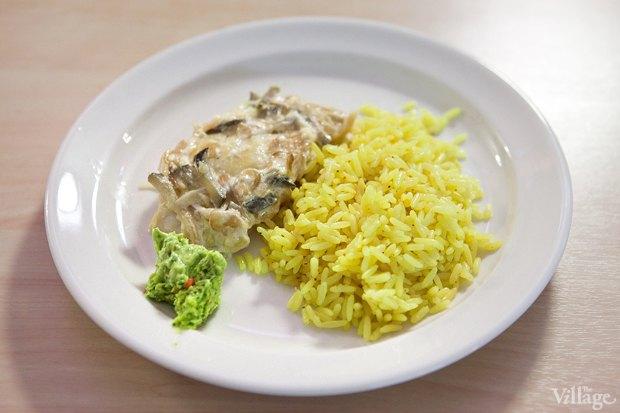 Рыба запечённая — 85 рублей, рис — 35 рублей. Изображение № 10.