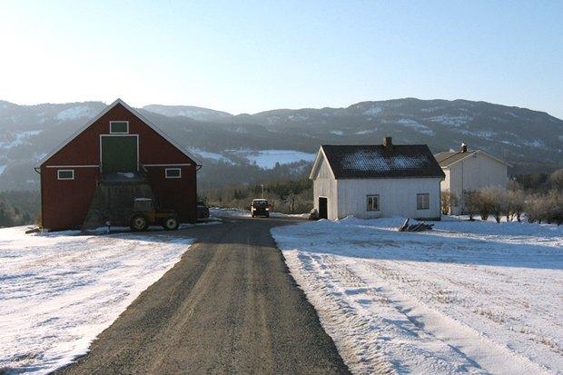 Как у них: Жители Норвегии, ЮАР, Испании — об отношениях с соседями. Изображение № 17.