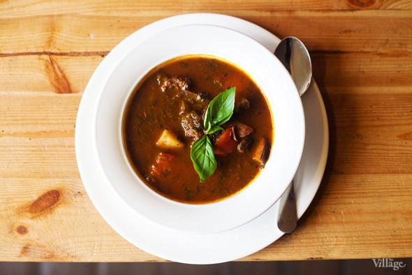 Галисийский суп с бараниной и пряными травами — 220 рублей. Изображение № 27.