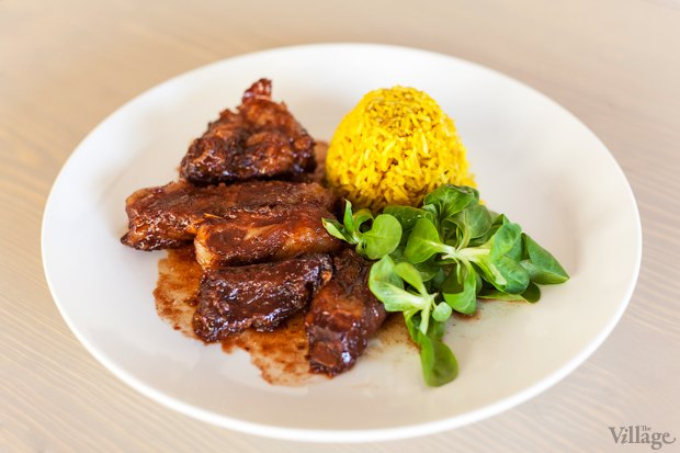 Свиные ребра в азиатском стиле, с рисом басмати и листьями салата — 96 грн.. Изображение № 34.