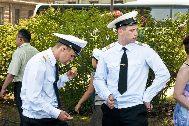 Фоторепортаж: День Военно-морского флота в Петербурге. Изображение № 18.