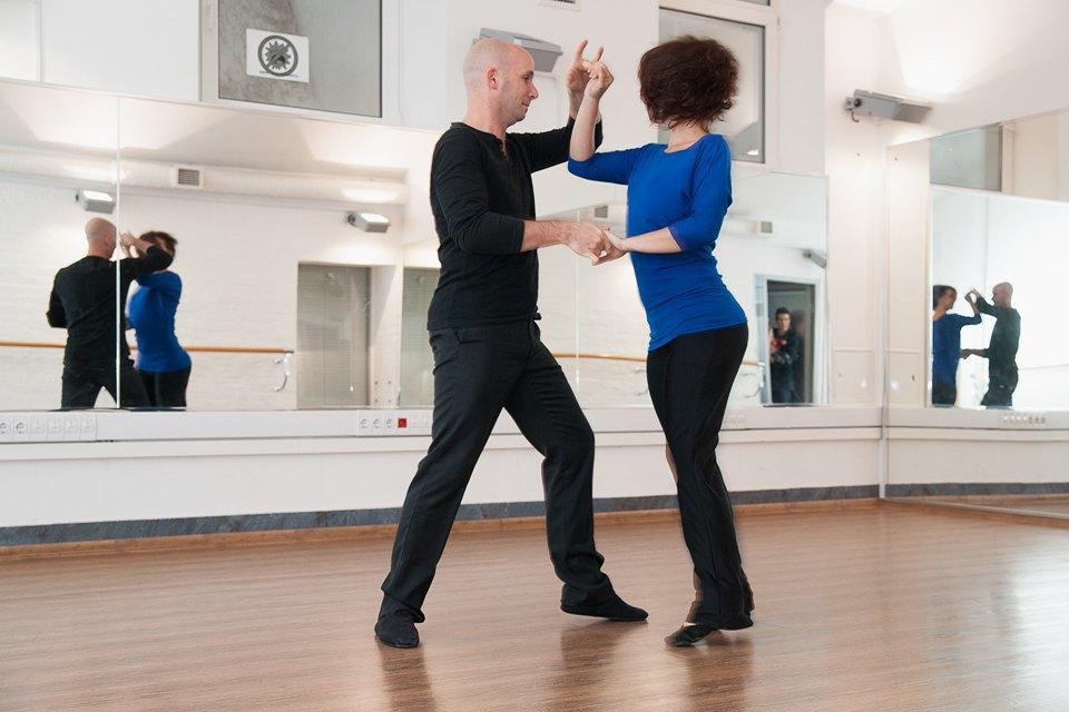 Как заработать, танцуя хастл. Изображение № 1.