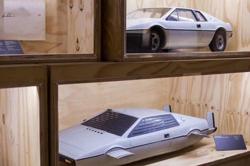 Что посмотреть навыставке «Дизайн007: 50лет стилю ДжеймсаБонда». Изображение № 10.