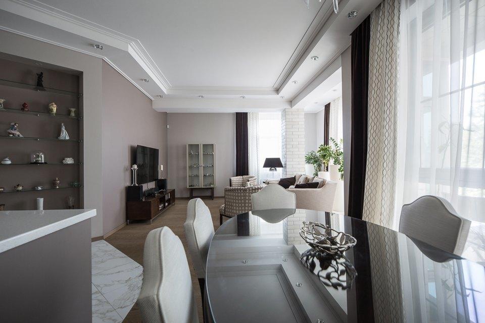 Просторная квартира с большими окнами на Петроградской стороне. Изображение № 6.