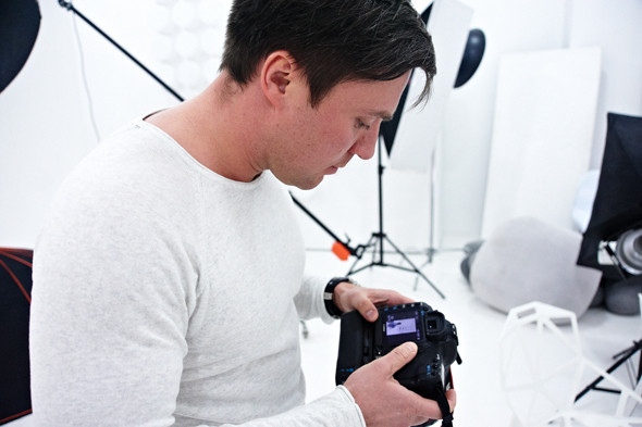 Два в одном: Быть рекламным фотографом и совладельцем бренда домашней обуви «Валешки». Изображение № 8.