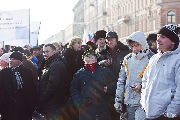 Фоторепортаж: Митинг в поддержку Путина в Петербурге. Изображение № 23.