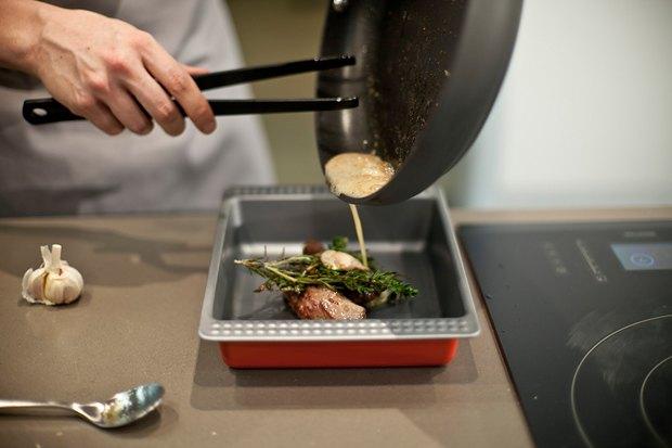 Шеф дома: Ягненок, хумус иоблепиховый десерт шефа «Стрелки». Изображение № 64.