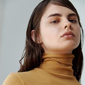 Московская марка A Shade More: Бомберы, мини-юбки и объёмные рубашки