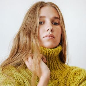 MIR Stores:  Объемные свитера  и кардиганы из Москвы — Новая марка на Wonderzine