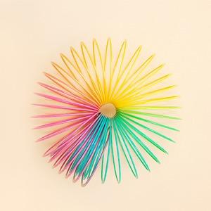 Нейл-арт недели: Пружинка Slinky