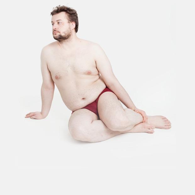 Голые и серьёзные:  Мужчины об отношении  к своему телу